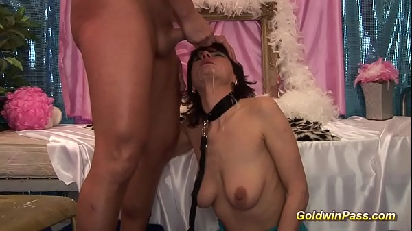 Moms anal, Moms, First anal, Anal fisting